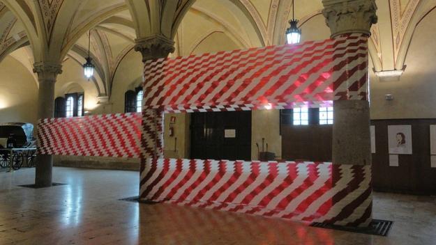 """Carlo Galli - """"Delimitazioni di Superficie"""" Installazione site-specific Atrio Palazzo Gambacorti Pisa Notte Bianca in Blu 2013"""