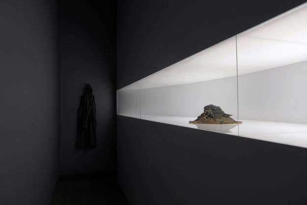 """""""Fantasma"""" Adrian Villar Rojas Moderna Museet"""
